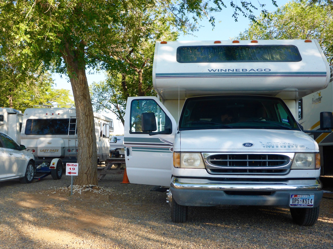 why everyone should try out rv life
