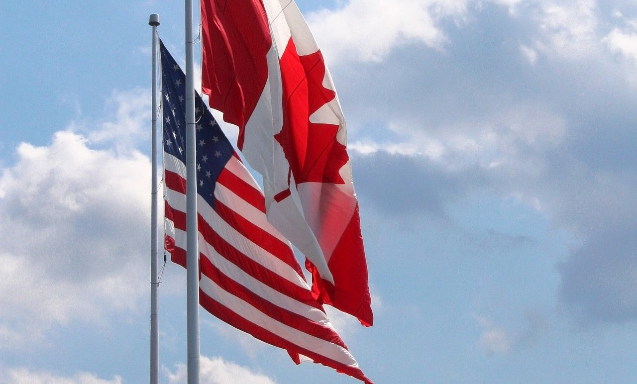 Crossing the Border to Visit Niagara Falls, Canada in an RV