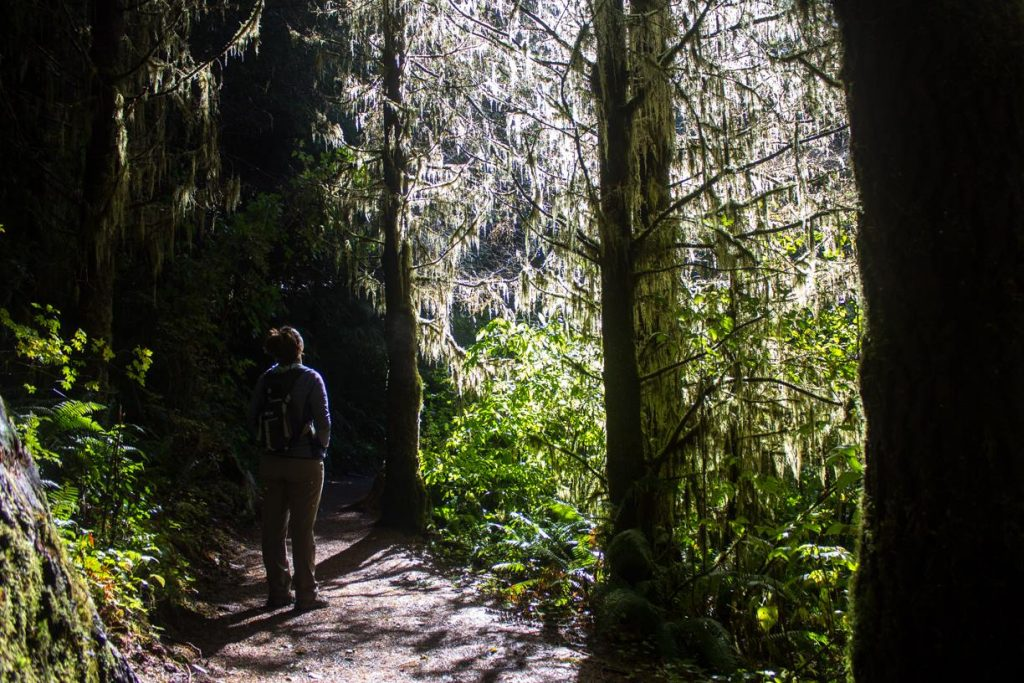 mel-hiking-while-rving-in-Oregon-during-the-winter