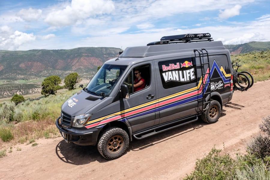 Vanlife Customs campervan