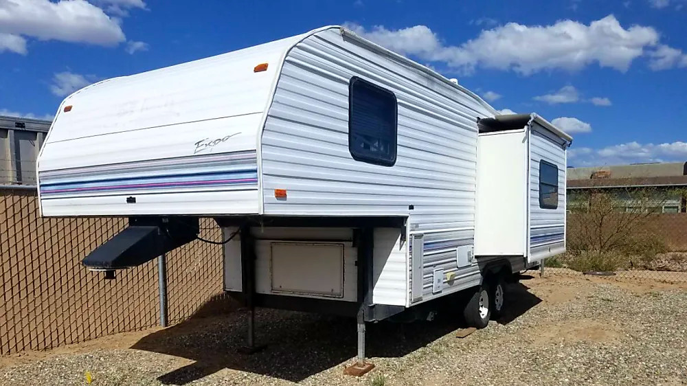 fifth-wheel RV trailer