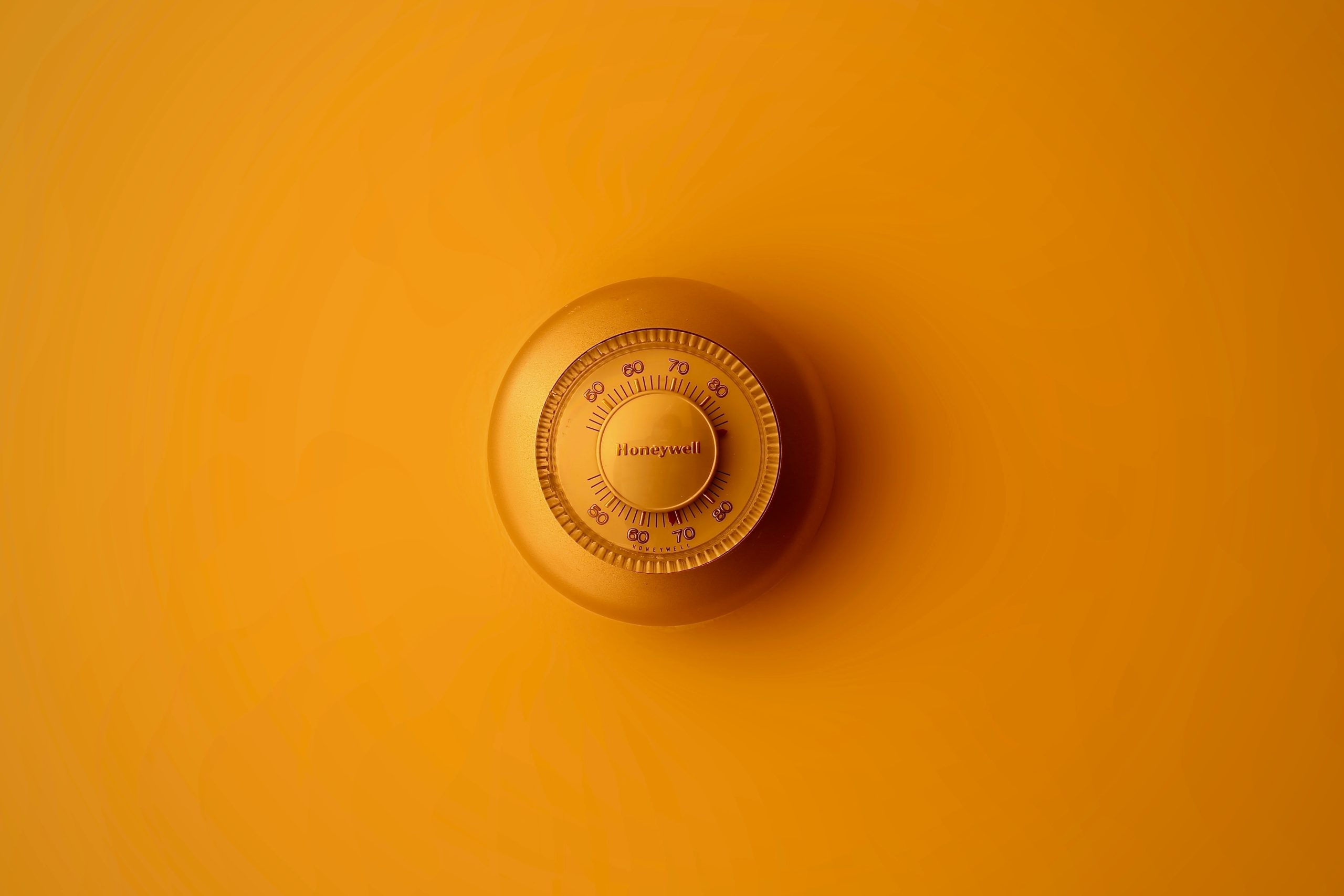 How to find the best RV thermostat